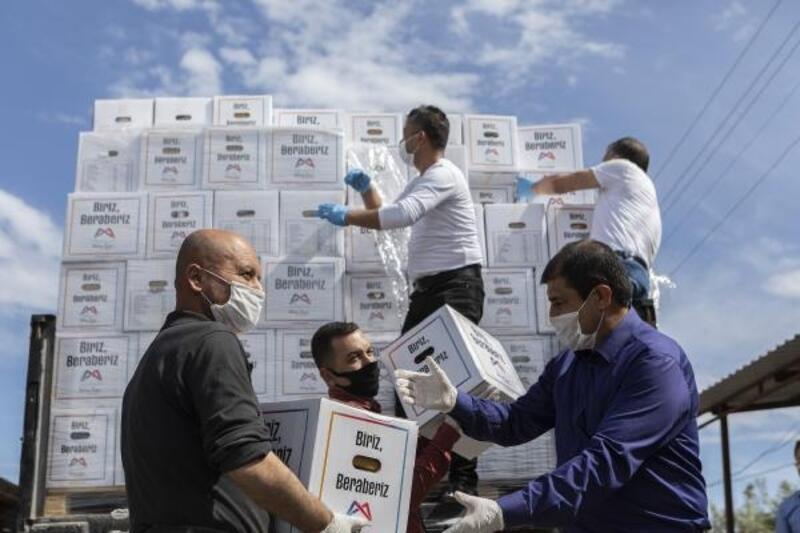 Esnafa 15 bin 500 gıda kolisi yardımı