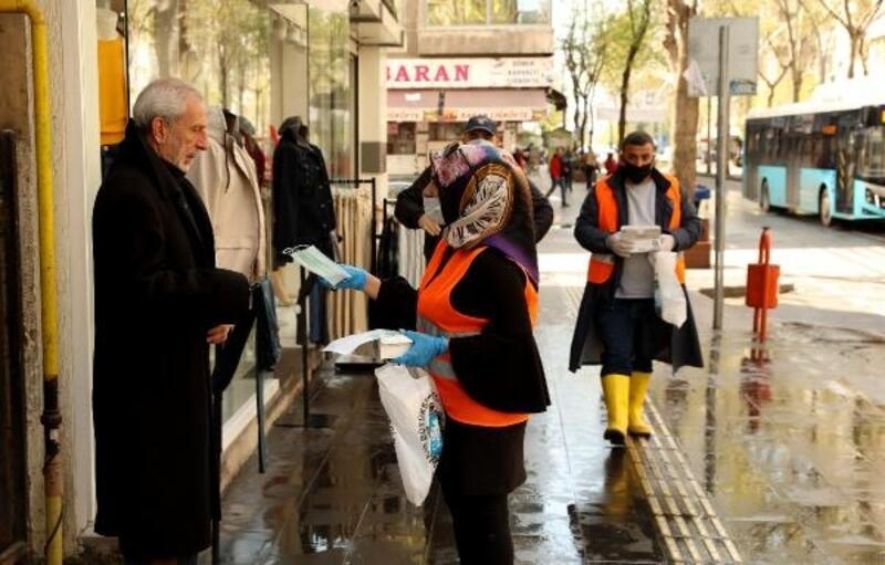 Diyarbakır Büyükşehir Belediyesi'nden berber ve kuaförlere maske