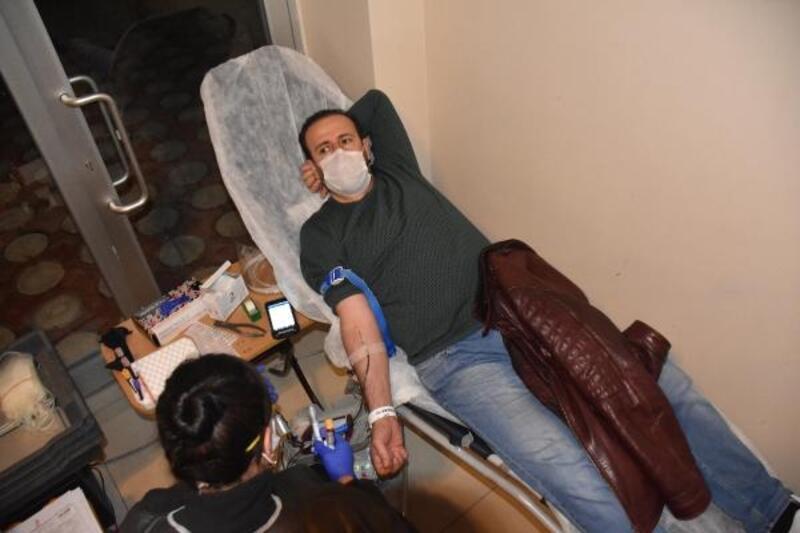 Malatya'da sağlıkçılardan, kan bağışı