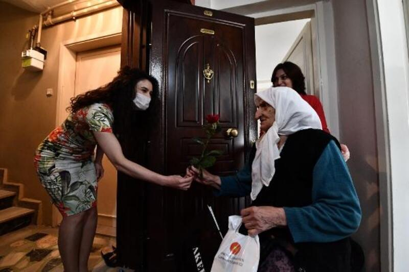 Osmangazi Belediyesi'nden Anneler Günü sürprizi