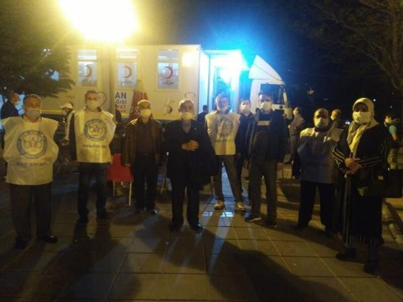 Gönüllü kültür kuruluşlarından Kızılay'a kan bağışı