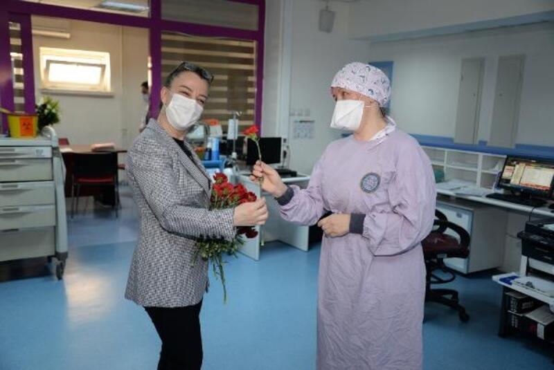 BUÜ Hastanesi hemşirelerine özel kutlama
