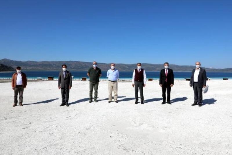 Vali Şıldak, Salda Gölü'nü inceledi