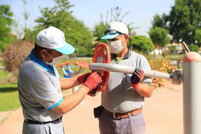 Pamukkale'deki parklarda bakım çalışmasına hız verildi