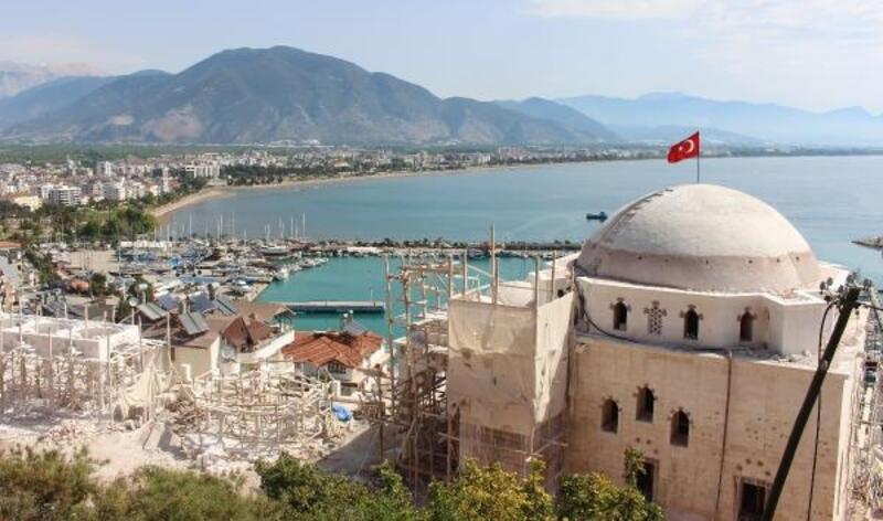 Finike Eroğlu Nuri Camii inşaatında sona geliniyor