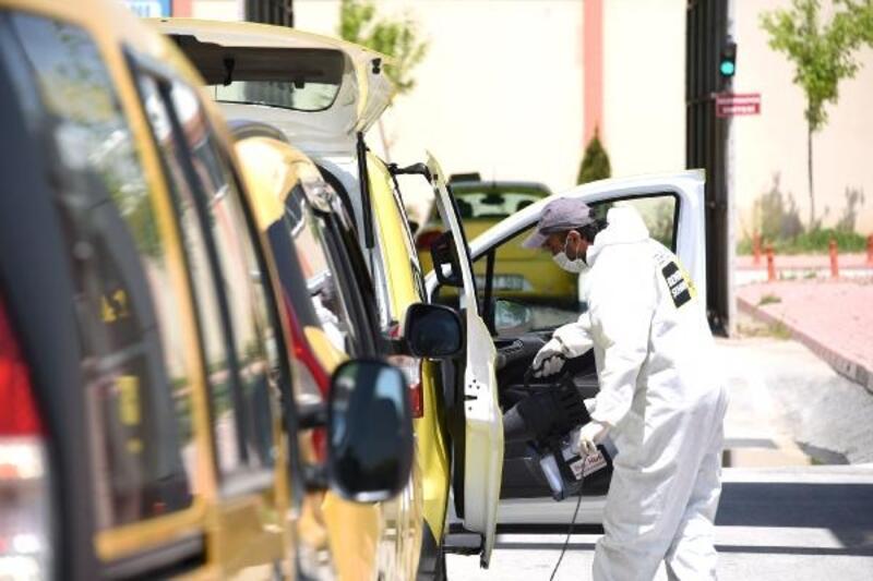 Konya Büyükşehir Belediyesinden taksi ve minibüslere dezenfeksiyon