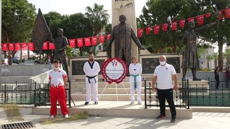 Anamur'da 19 Mayıs için Ata'ya saygı çelengi