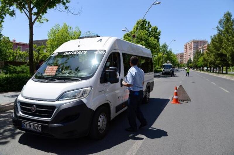 Diyarbakır'da toplu taşıma araçları denetliyor