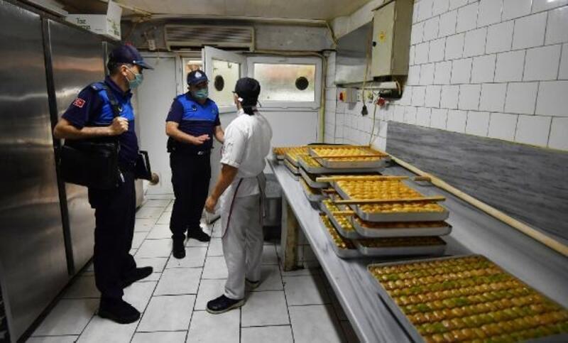 Zabıta ekipleri, tatlı imalathanelerini denetledi