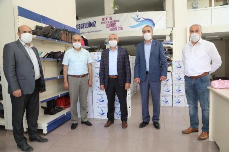 Battalgazi Belediyesi'nin 'Hayır Çarşısı'na destekler sürüyor