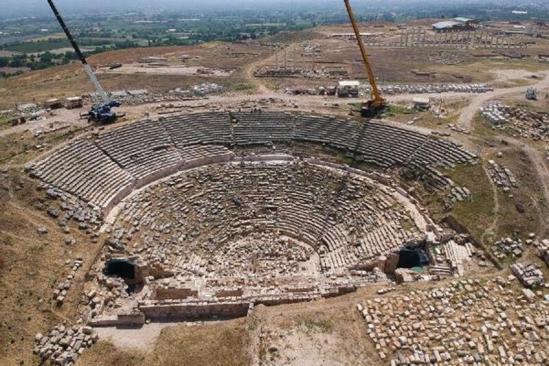 2 bin 200 yıllık tiyatro, orjinalliği korunarak ayağa kaldırılacak