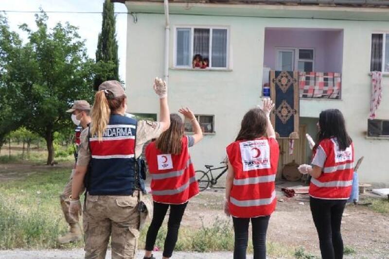 Malatya'da yardım kolileri ihtiyaç sahiplerine dağıtıldı