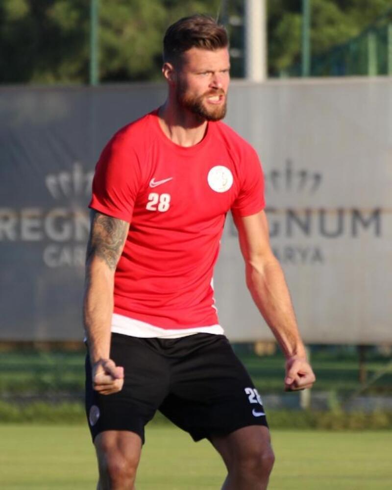 Antalyaspor'un görünmez kahramanı Celustka