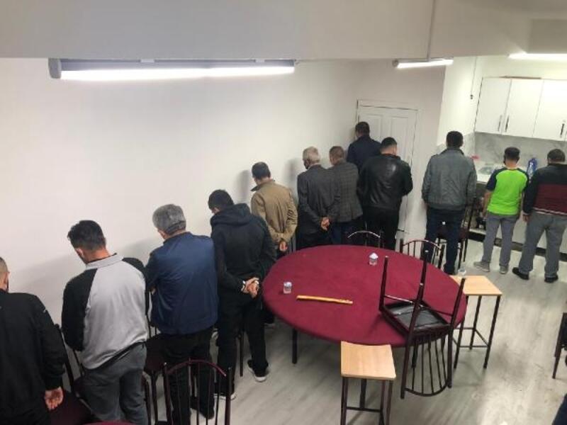 Ankara'da kahvehanede oyun oynayanlara para cezası