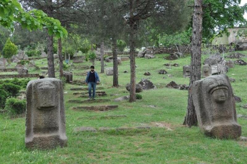 Tarihin sessiz tanıkları,ziyaretçileri bekliyor