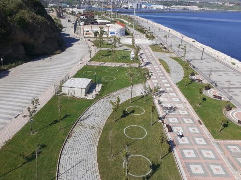 Balıkesir'deki park ve bahçelere sosyal mesafe çemberi