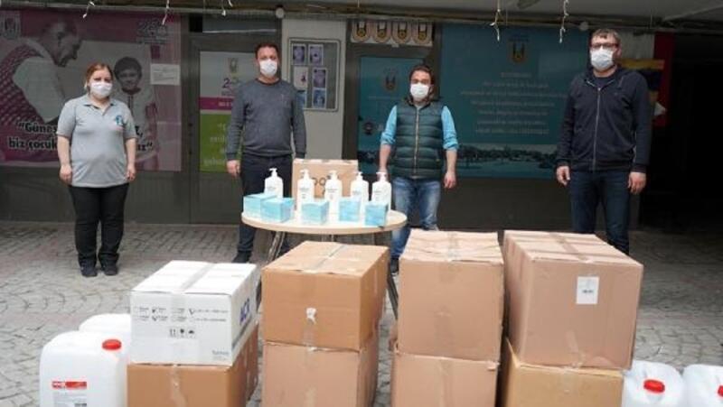 Lüleburgaz Belediyesi'nden esnaflara cerrahi maske