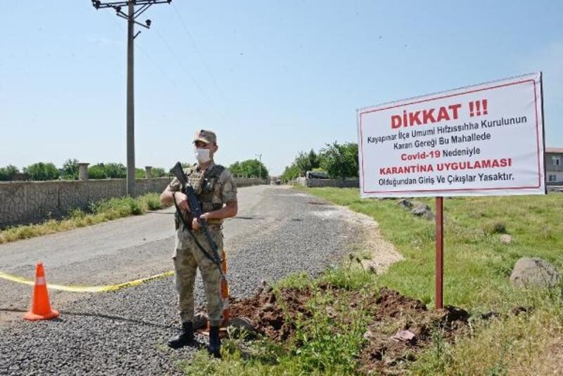 Diyarbakır'da 40'ın üzerinde vaka tespit edilen mahallede karantina