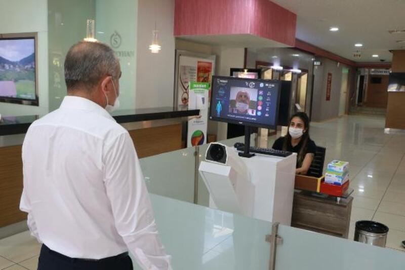 Adana'da oteller, normalleşme sonrası önlemlerle hizmet vermeye başladı