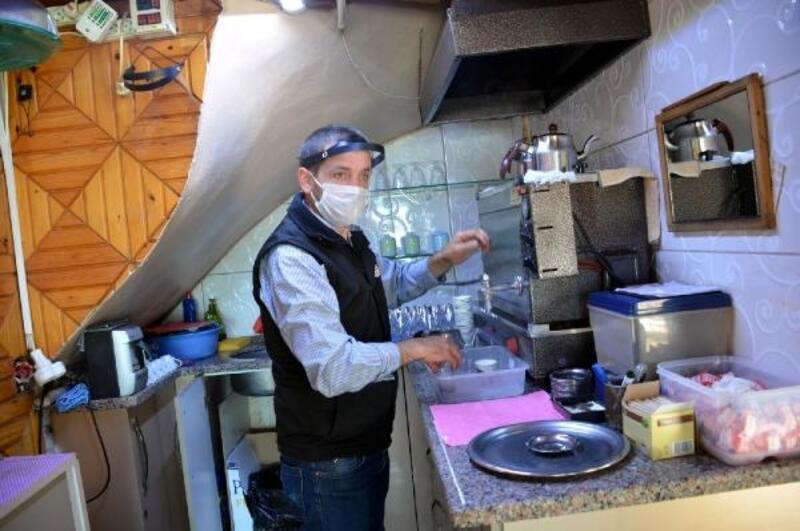 Çay ocağı işletmecisinden siperlikli önlem