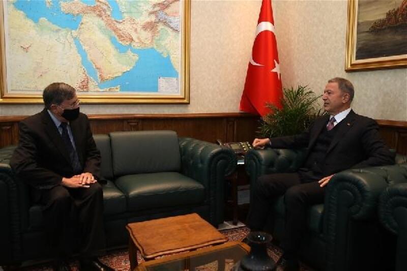 Bakan Akar, ABD Ankara Büyükelçisi Satterfield'i makamında kabul etti
