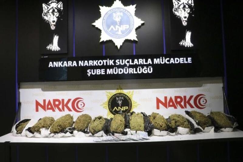 30 kilo esrar ve uyuşturucu satışından elde edilen 99 bin lira ile yakalandılar