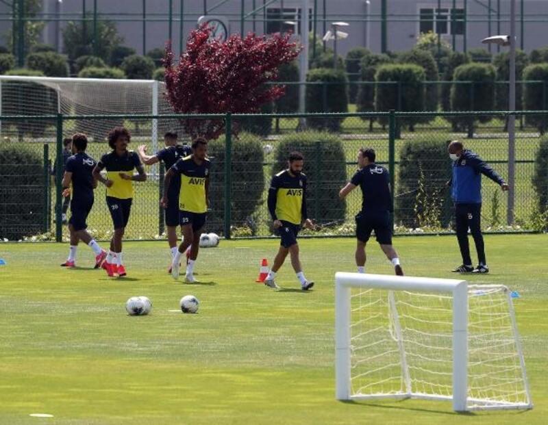 Fenerbahçe, Riva'da hazırlıklarını sürdürüyor