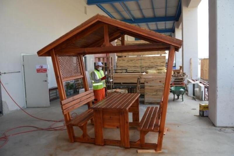 Balıkesir Büyükşehir Belediyesi, kendi mobilyasını üretiyor