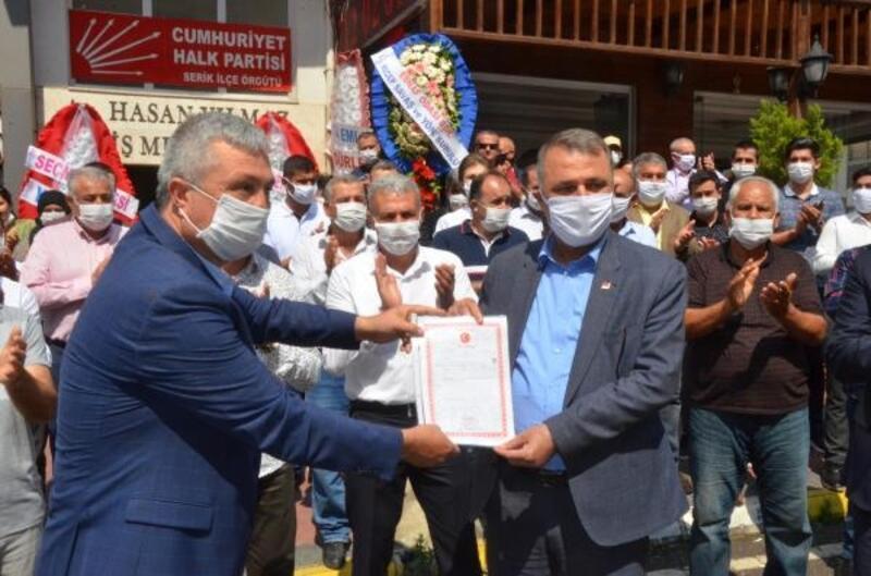 CHP'nin Serik'te yeni binası açıldı