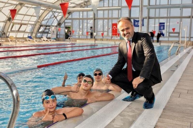Mahmudiye Yarı Olimpik Yüzme Havuzu törenle açıldı