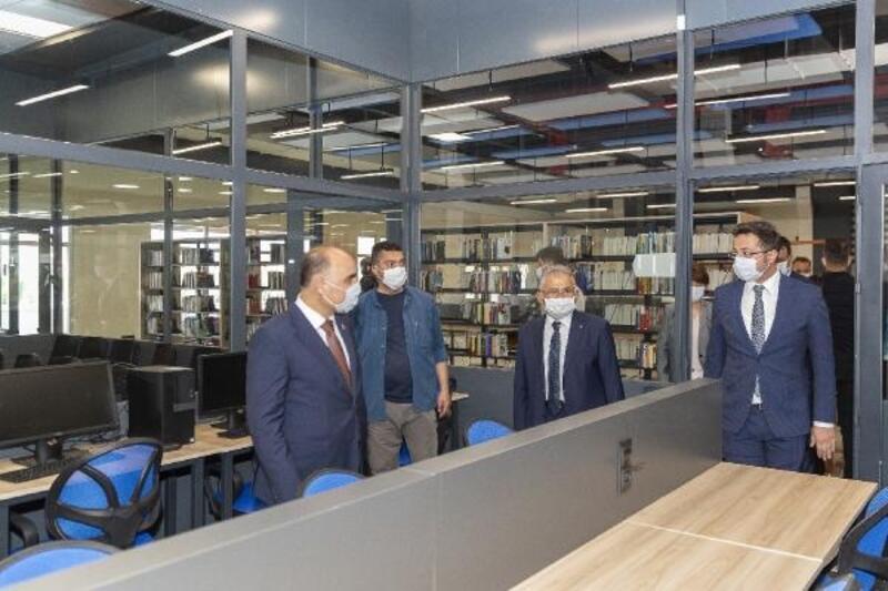 Kayseri Büyükşehir Belediyesi, kütüphanelerini hizmete açtı