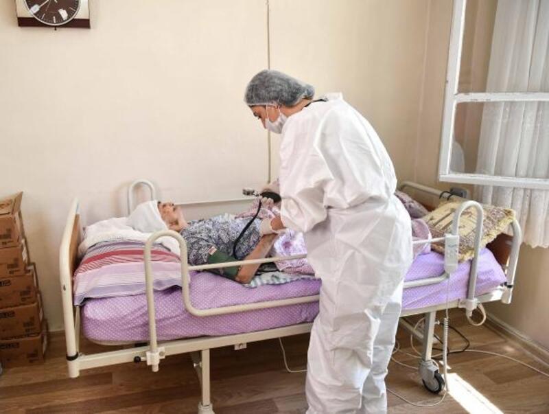 Büyükşehir'den evdeki vatandaşa kişisel bakım ve sağlık hizmeti
