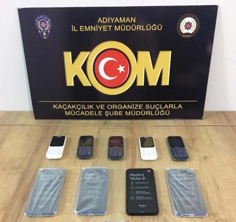 Adıyaman'da kaçak cep telefonu ve nargile tütüne 3 gözaltı