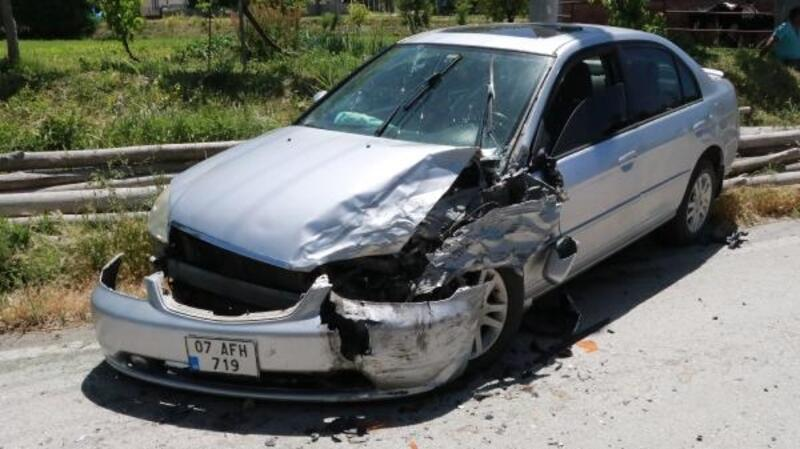 Burdur'da zincirleme kaza: 3 yaralı
