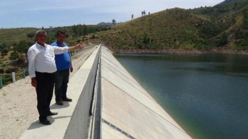 Adrasan Göleti'nden tarımsal sulama başladı