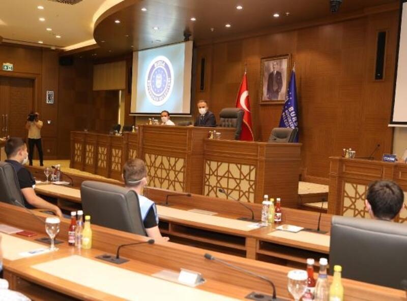 Bursa Büyükşehir Belediye Başkanı Aktaş, belediye personeli ile bir araya geldi