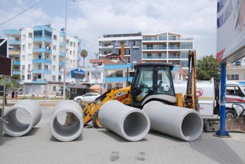 Karataş'ın yağmur suyu altyapısı güçlendiriliyor