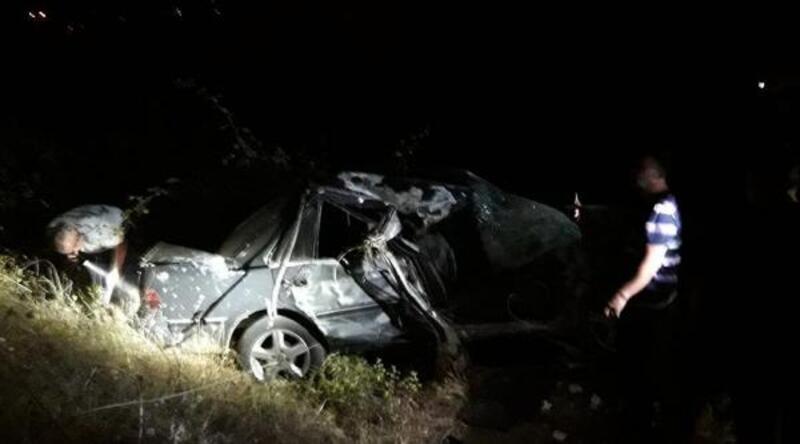 Takla atan araç yandı: 3 yaralı