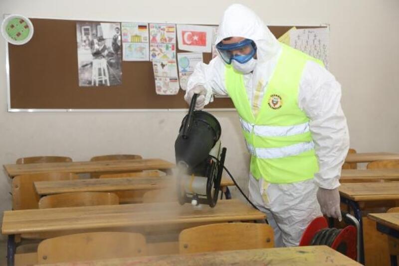 Yüreğir'de sınav öncesi okullar dezenfekte edildi