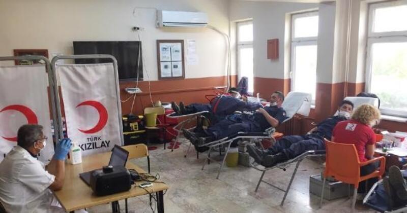 Döşemealtı Jandarma'dan kan bağışı