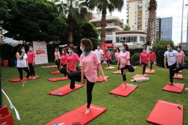 Sağlık çalışanları 'Dünya İyi Yaşam Günü'nü kutladı