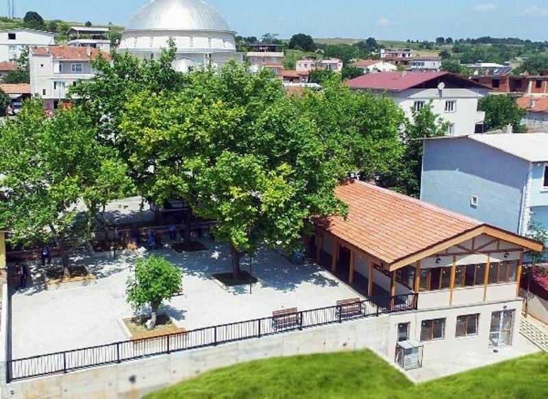 Nilüfer Belediyesi Gökçeköy'e meydan ve kahvehane yaptırdı