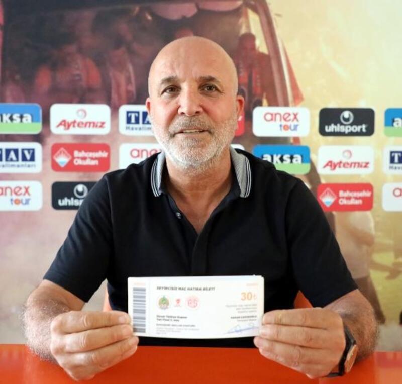 Hasan Çavuşoğlu'ndan Alanyaspor taraftarına hatıra bilet çağrısı