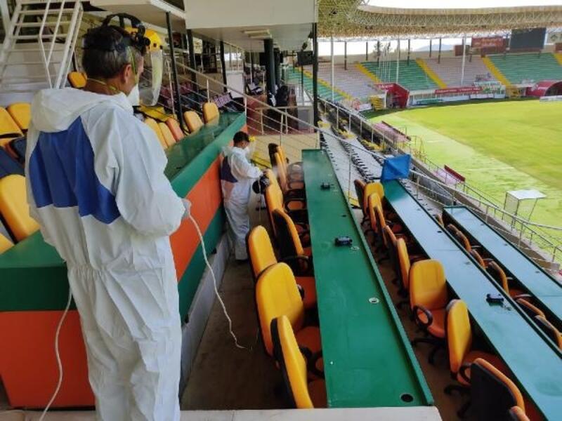 Bahçeşehir Okulları Stadyumu'nda dezenfeksiyon