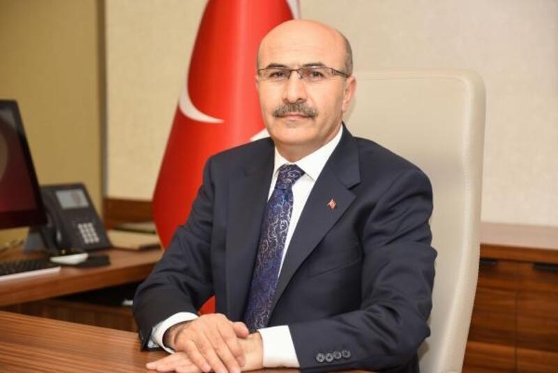 Vali Mahmut Demirtaş Adanalılara veda etti