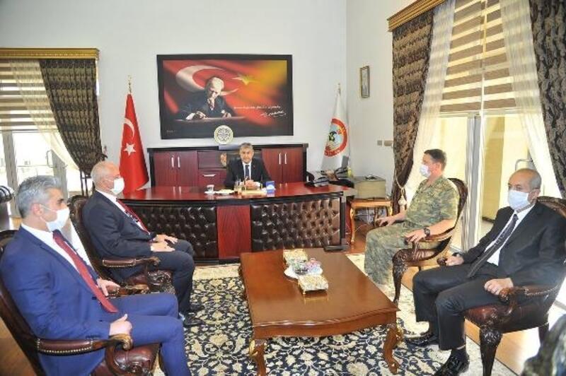 Osmaniye Valisi Erdinç Yılmaz, görevine başladı