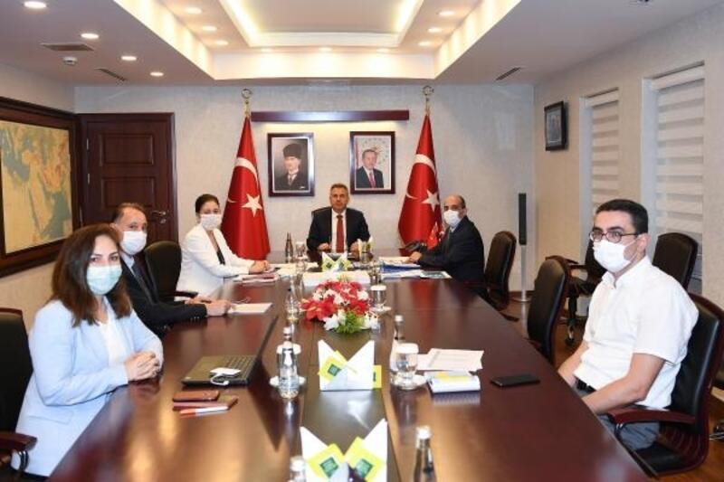 Vali Süleyman Elban, İl Pandemi Kurulu ile bir araya geldi