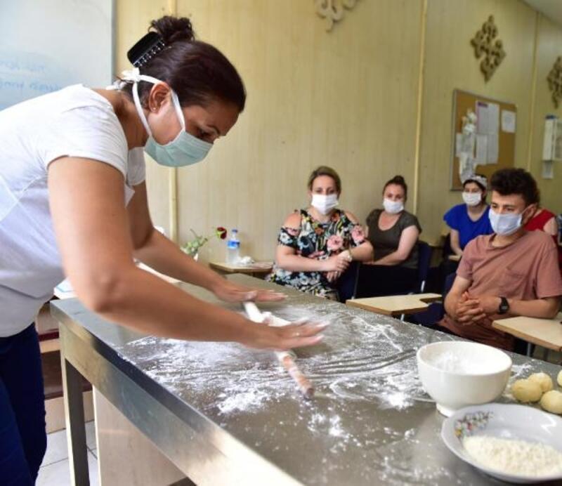 Kepez'in sanat ve meslek kursları açıldı