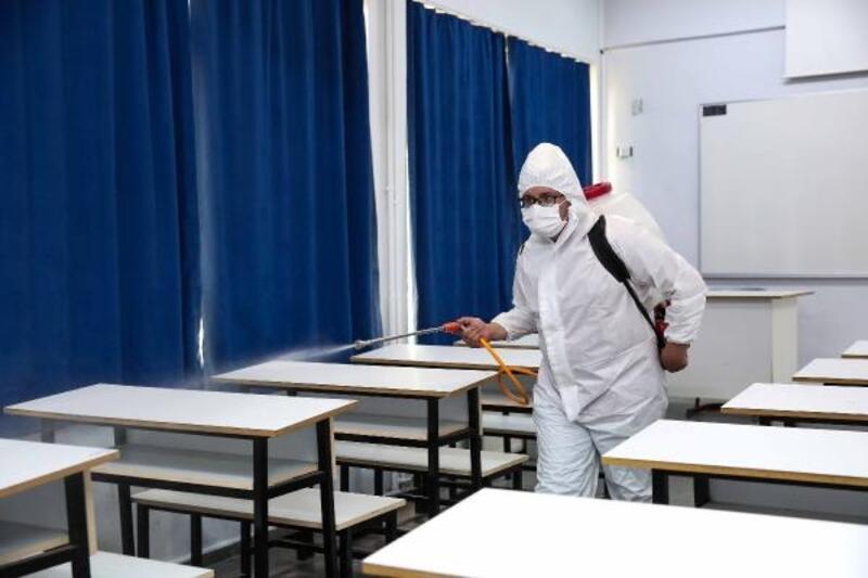 Nilüfer'de YKS yapılacak okullar dezenfekte ediliyor