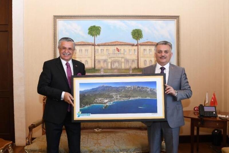 Başkan Topaloğlu'ndan, Vali Yazıcı'ya ziyaret